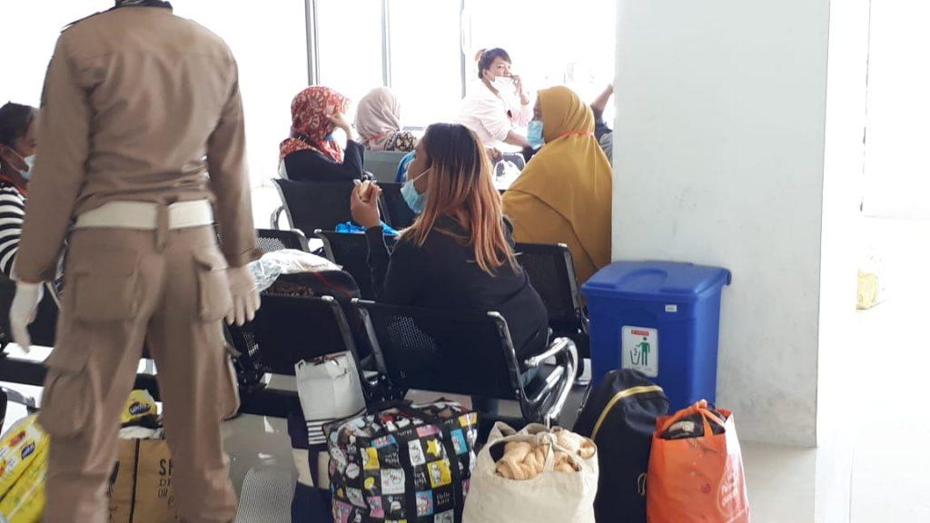 Para-Pekerja-Indonesia-Deportan-tiba-di-Nunukan-Kalimantan-Barat