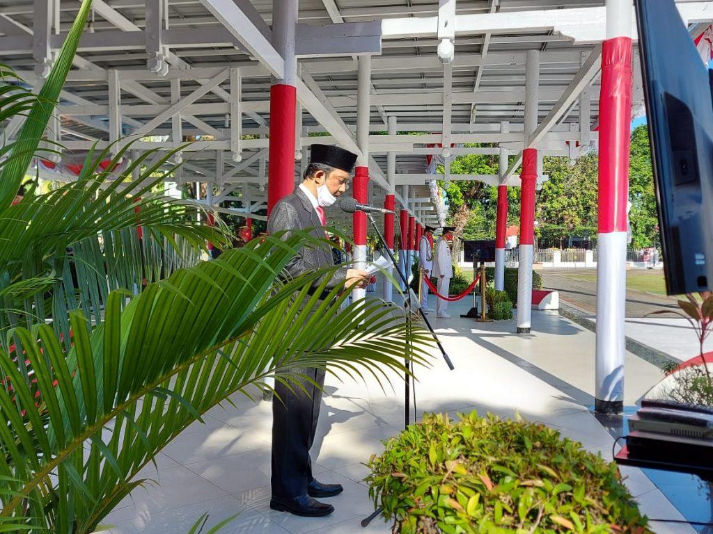 H.Anwar Abubakar didaulat membacakan doa pada upacara bendera peringatan Hari Ulang Tahun (HUT) Kemerdekaan Republik Indonesia ke-75