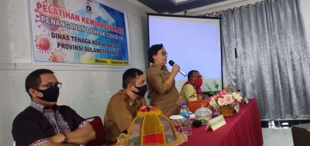 Dinas tenaga Kerja Kab. MAMASA dan Narasumber Dalam Acara Pembukaan Pelatihan